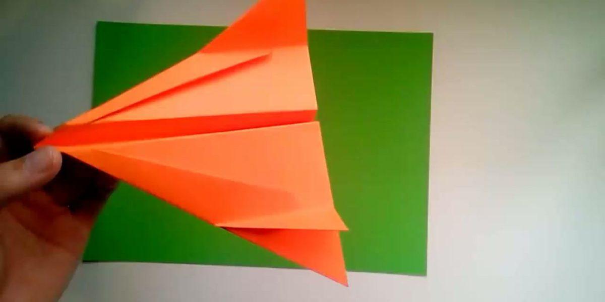 comment faire un avion en papier qui vole tres loin. Black Bedroom Furniture Sets. Home Design Ideas